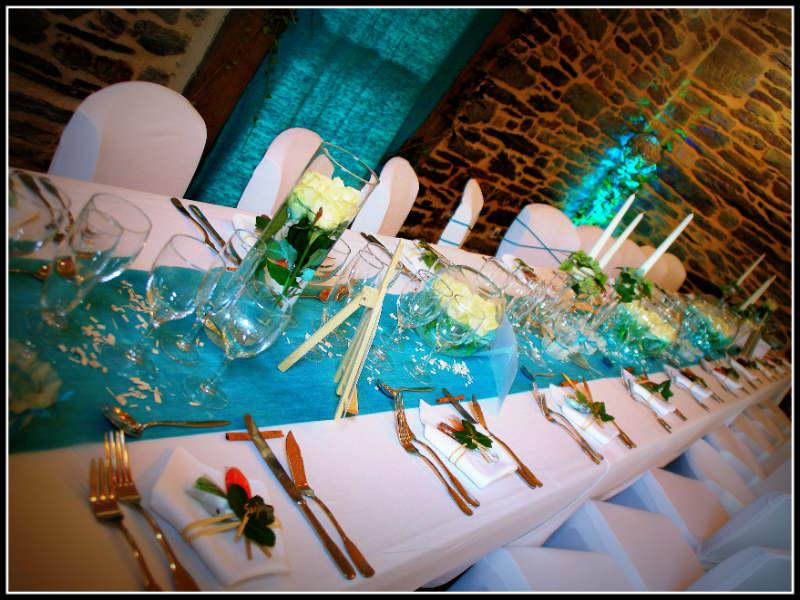 Bleu et blanc pour un mariage au manoir du tr ouret - Mariage bleu et blanc ...