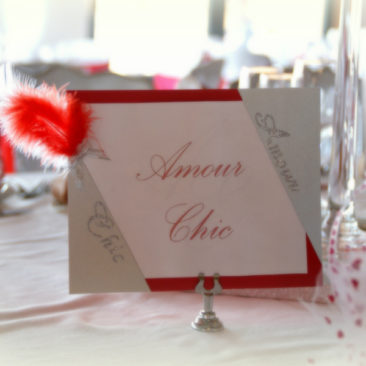 En rouge et blanc mariage glamour chic